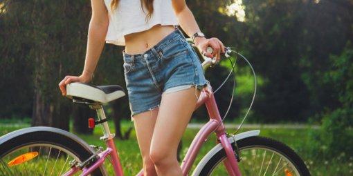 Šortai moterims internetu: iš ko galite pasirinkti?