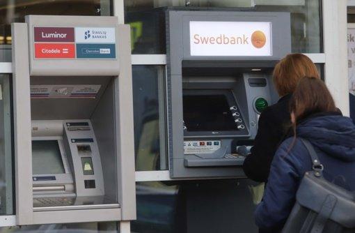 """""""Swedbank"""": savaitgalį dėl IT patikrinimo darbų galimi paslaugų trikdžiai"""
