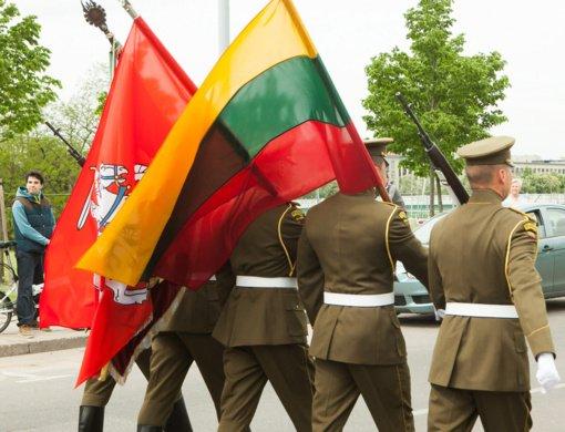 Premjerė pasveikino karius Partizanų pagerbimo, kariuomenės ir visuomenės vienybės dienos proga