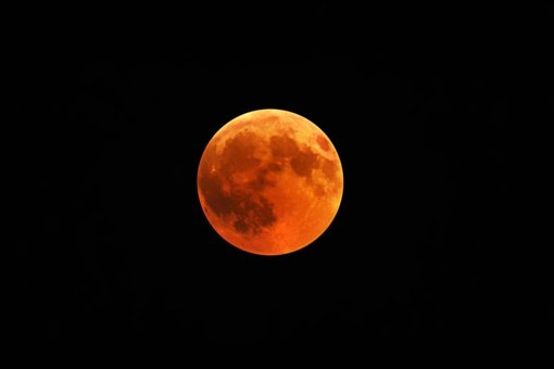 """Kitą savaitę dangų papuoš """"Kruvinoji superpilnatis"""" ir Mėnulio užtemimas"""