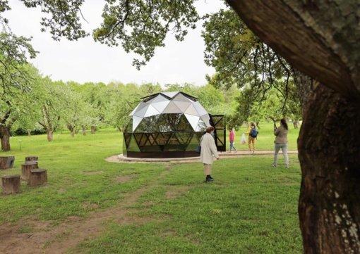 Stiklo kupole Obelynėje įsikūrė informacinis turizmo centras