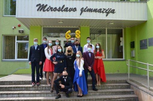Abiturientų paskutinio skambučio šventė Miroslavo gimnazijoje