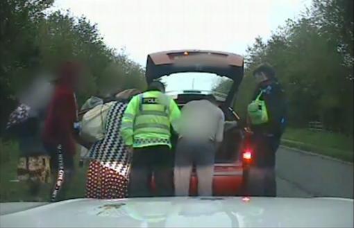 Sustabdę seną automobilį pareigūnai liko šokiruoti: to dar nebuvo matę