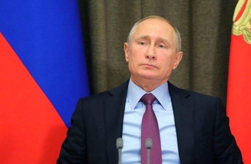 """V. Putinas giria santykių su Baltarusija stiprinimo """"konkrečius rezultatus"""""""