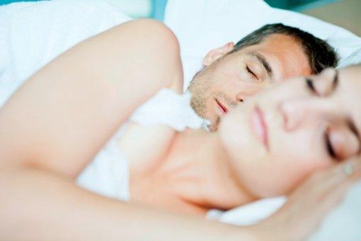 Ką miego poza išduoda apie poros santykius?