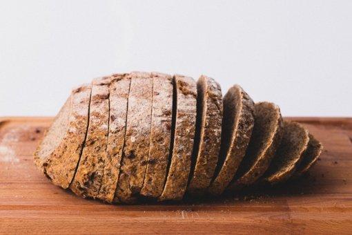 Ar nupjovus pelėsį ant duonos ši tinkama vartoti?