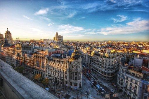 Ispanija atveria sienas pasiskiepijusiems keliautojams iš viso pasaulio