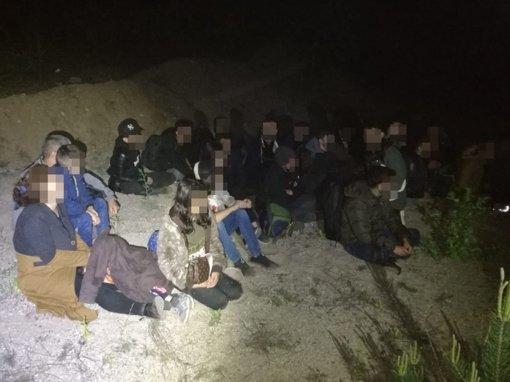 Per parą sulaikyta 14 nelegalių migrantų, atvykusių per Baltarusiją