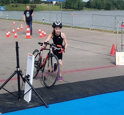 Ignalinietė K. Jankovičiūtė triumfavo plaukimo ir triatlono čempionatuose