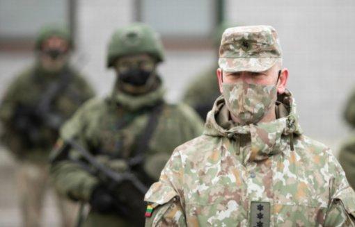 Kariuomenės vadas: tarnybos galimybės neskiepytiems kariams bus apribotos