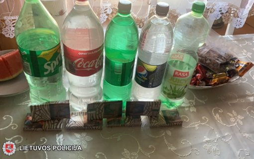 Šalčininkų rajono gyventojos namuose rasta 87 litrai naminės degtinės (vaizdo įrašas)
