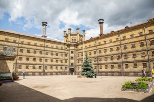 Lukiškių kalėjimas vėl atvertas lankytojams: veiks menininkų dirbtuvės, vyks koncertai