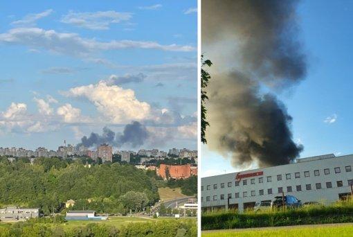 Fiksuoja kauniečiai: virš miesto iškilo juodų dūmų debesis