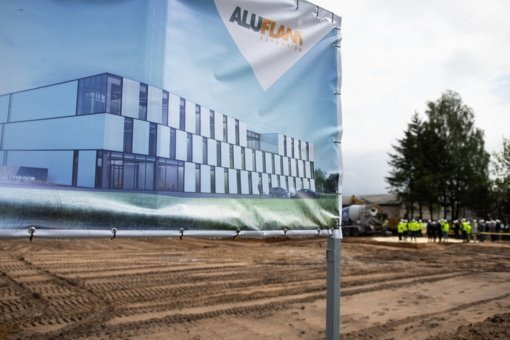 Bankas suteikė paskolą pirmosios Baltijos šalyse aliuminio profilių gamyklos statyboms Jonavoje