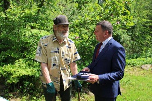 Skinderiškio dendrologinio parko įkūrėjui įteiktas savivaldybės garbės ženklas