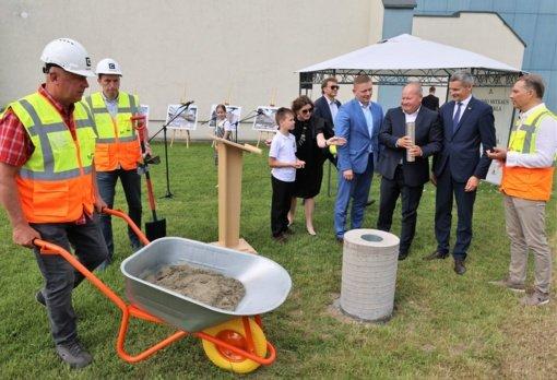 Kauno rajono savivaldybė pradėjo renovuoti Mastaičių baseiną, stato tris mokyklas