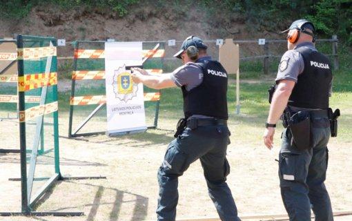 Tarp taikliausių šalies policijos šaulių – Alytaus apskrities pareigūnai