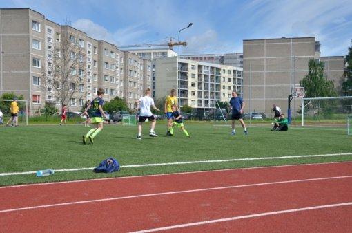 """Savaitgalį futbolą žaidę vilniečiai rėmė """"Padėk gatvės vaikams"""" globojamus berniukus"""