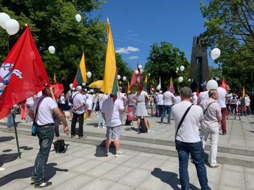 Prezidento patarėjas protestuotojams dėkojo už aktyvumą, pabrėžė piliečių nuomonės svarbą