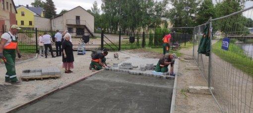 Biržuose vykdomi statybos darbai J. Janonio aikštėje ir Biržų piliavietės prieigose