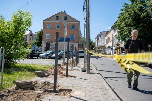 Panevėžio miesto centre – nelegalios statybos: išdygo metalinė tvora