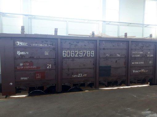 Kenoje muitininkai sulaikė didelę kontrabandą: tuščiavidurėse lentose aptikta tūkstančiai pakelių rūkalų