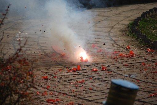 Švenčionių rajone sprogdindamas petardą susižalojo vaikas