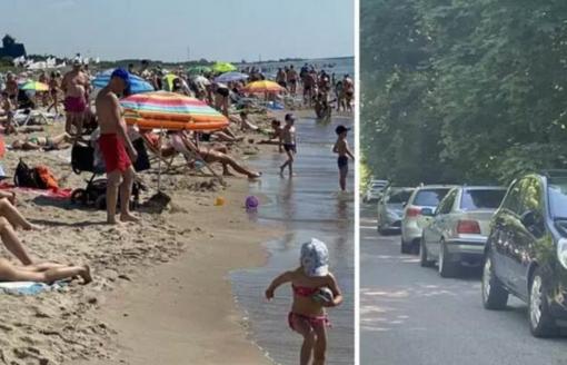 Klaipėdos pajūryje: automobilių spūstys ir vandens pramogos