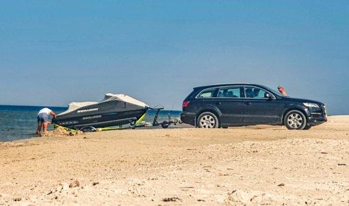Vandens motociklais pajūryje plaukiojantys poilsiautojai gali sulaukti baudos: atskleidė, kurių vietų vengti