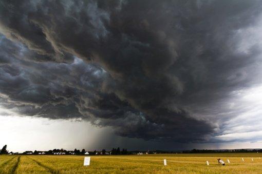 Išplatino įspėjimą: artėja smarki audra, gyventojų prašoma saugotis