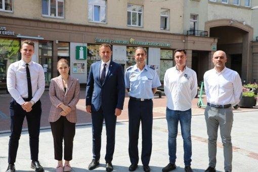 Šiaulių miesto meras susitiko su nauju NATO misijos vadu