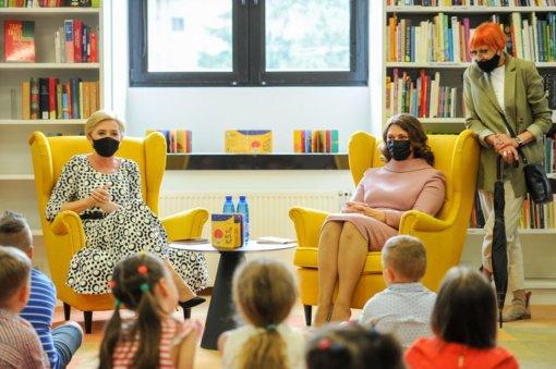 Lietuvos ir Lenkijos pirmosios ponios apsilankė Nacionalinėje M. Mažvydo bibliotekoje