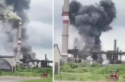Juodų dūmų debesys virš Mažeikių naftos perdirbimo gamyklos