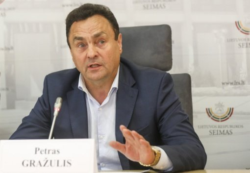 """Piktnaudžiavimu kaltinamas Seimo narys P. Gražulis: """"Kaltas nesijaučiu"""""""