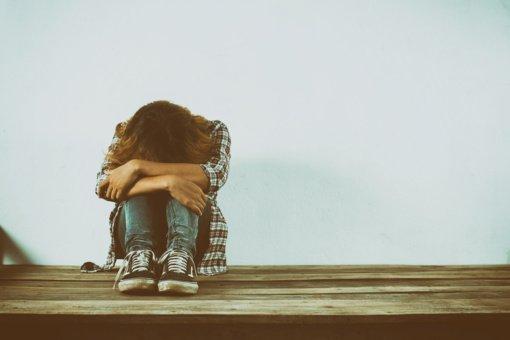 """Kodėl žodžiai """"psichas"""", """"beprotis"""", """"nesveikas"""" atneša mums daugiau žalos, negu galvojame?"""