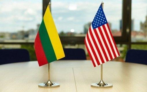 Premjerė ir Seimo pirmininkė pasveikino JAV Nepriklausomybės dienos proga