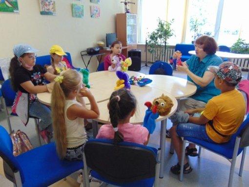 Linksmai ir turiningai praleistas laikas stovyklaujant Vaikų literatūros skyriuje