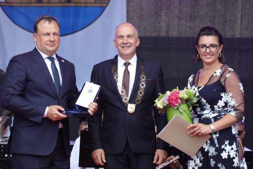 Evaldui Pašiliui įteiktos Ukmergės rajono garbės piliečio regalijos