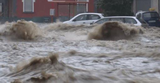 Vokietijai smogė katastrofiniai potvyniai (VAIZDO ĮRAŠAS)