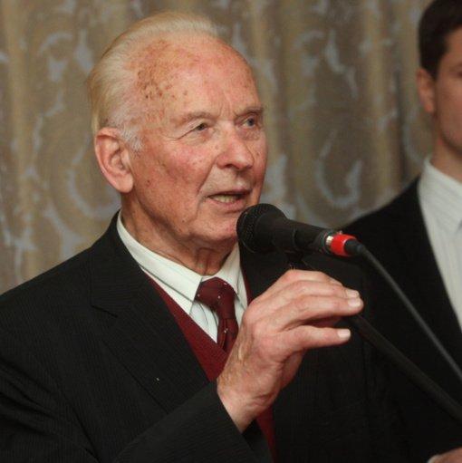 Mirė žymiausias Lietuvos miškininkas, profesorius Leonardas Kairiūkštis