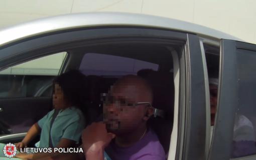 Lietuvos policija pakeliui į Lenkiją sulaikė keturis neteisėtus migrantus