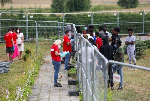 Varėnos rajone laikinai apgyvendinti migrantai paskiepyti nuo COVID-19