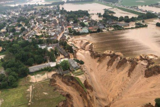 Vokietijoje po katastrofinių potvynių dingo šimtai žmonių (VAIZDO ĮRAŠAS)