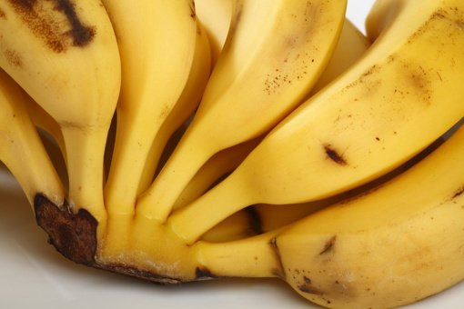 Nyderlandų muitininkai iš bananų tyrės statinių ištraukė 3 tonas kokaino