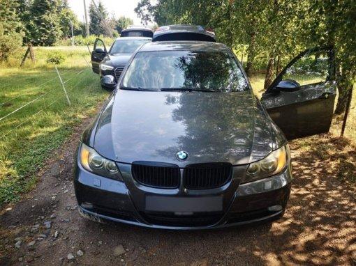 """200 km/val. skriejusį BMW pareigūnai sustabdė tik """"ežiais"""""""