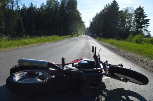 Lazdijų rajone susidūrus motociklams nukentėjo 3 žmonės