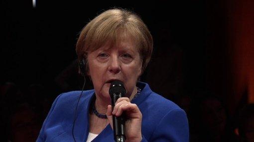 A. Merkel nerimauja dėl eksponentinio COVID-19 atvejų skaičiaus augimo Vokietijoje