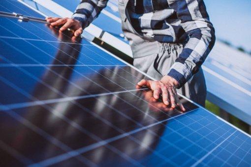 Lazdijų rajone atidaroma didžiausia nutolusi saulės elektrinė