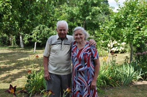 Pasveikinti 65-ąsias vestuvių metines minintys Janina ir Albinas Petroniai