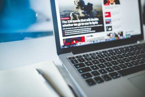 """Rusų žurnalistinių tyrimų tinklapis """"The Insider"""" įtrauktas į """"užsienio agentų"""" sąrašą"""